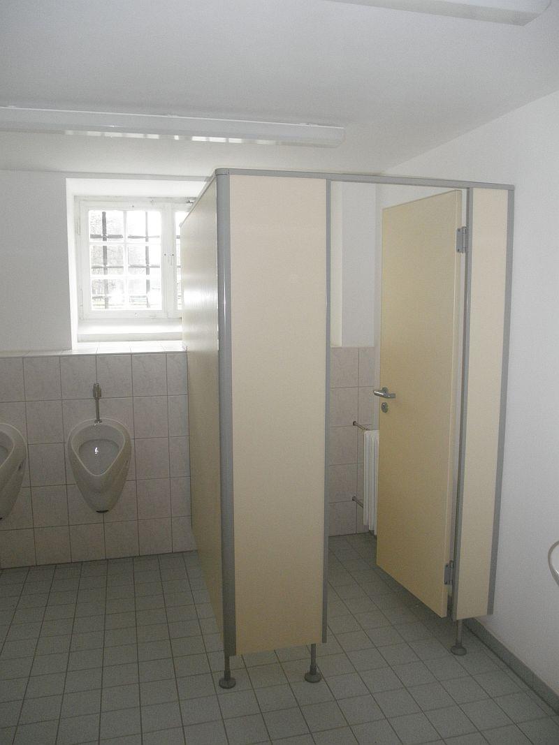 Trennwand Herren-WC